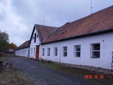 Prodej zemědělské usedlosti, 726m<sup>2</sup>, Budíškovice, 2.000.000,- Kč