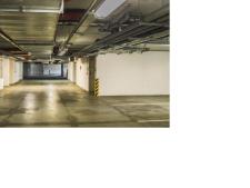 Pronájem garážového stání, Praha, Mattioliho, 1.400,- Kč/měsíc
