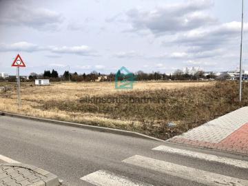 Nové reality: Komerční pozemek v ČB