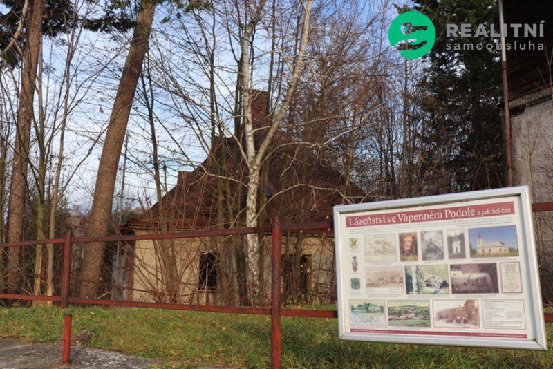 Bývalá lázeňská budova ve Vápenném Podolu, Chrudim
