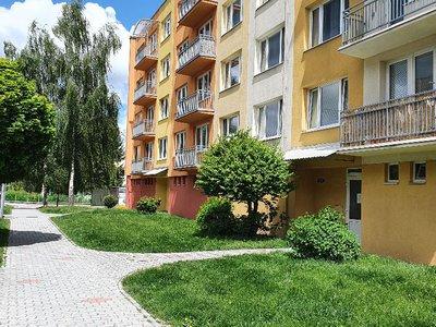 Pronájem bytu 2+1 58 m² Lišov