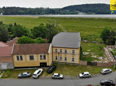 Prodej rodinného domu 300 m² Mostkovice