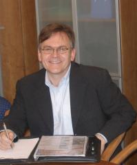 Realitní makléř  JUDr. Ernest Kosár