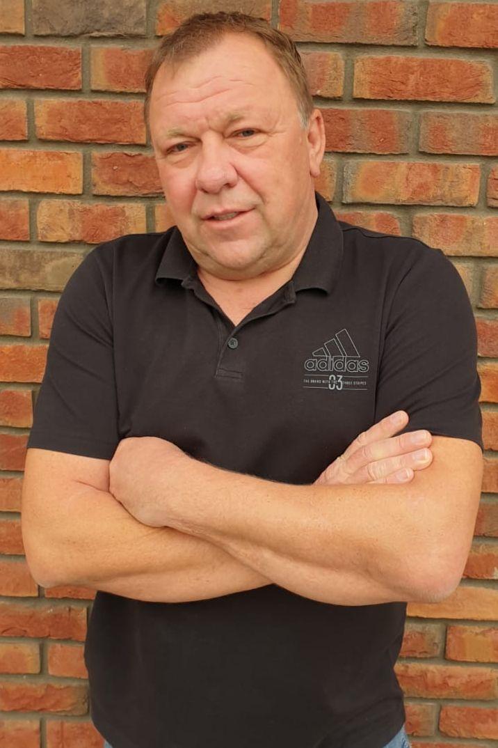 Realitní makléř   Milan Holub