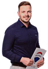 Realitní makléř Tomáš Novák