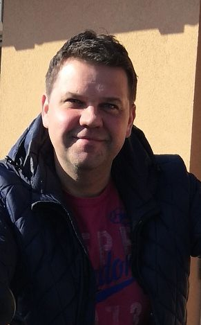 Realitní makléř  Josef Černý